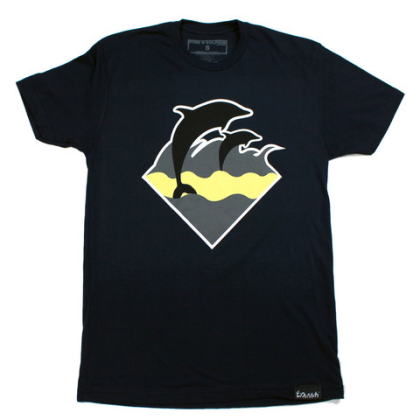 waves tee black